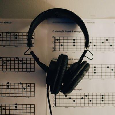 Imagine pentru lectia Sfaturi la transpunerea melodiilor pe acorduri